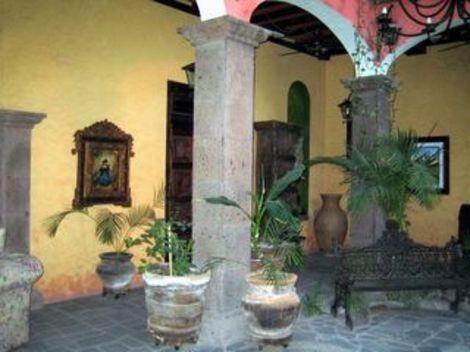 Loreto_hotel_lobby20050621065717